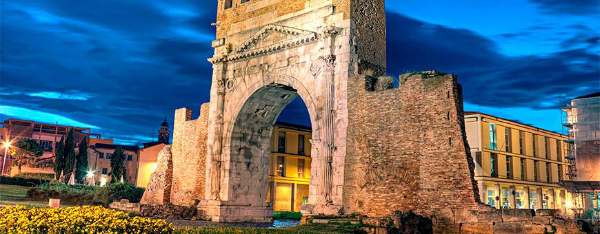 арка императора августа римини